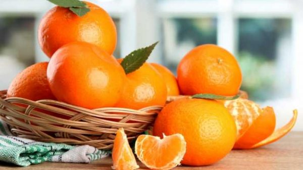 Mandarin mevasini yengu, po'stlog'ini tashlab yubormang