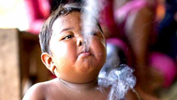 Indoneziyalik 2 yoshli kashanda. Oradan 8 yil o'tgach, uning holi ne kechdi?.. (FOTO)