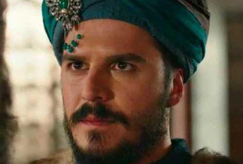 «Muhtasham yuz yil» serialiga bir nazar: «MUSTAFO ROLINI IJRO ETGAN AKTYoR TURK EMAS, TATAR EKAN…»