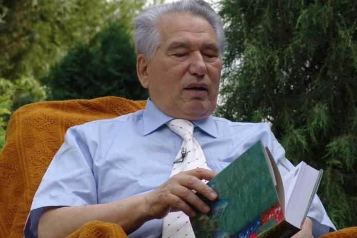 Photo of Chingiz Aytmatov Xitoy imperatorlarining avlodi bo'lganmi?