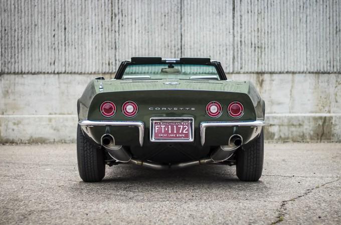 Ideal holatda saqlangan 51 yoshli Chevrolet Corvette sotuvga qo'yildi