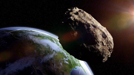 Samolyot kattaligidagi asteroid Yerga yaqinlashmoqda
