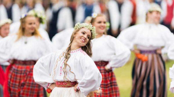 Estoniyaning kishini hayranlantirishga qodir g'aroyib an'analari
