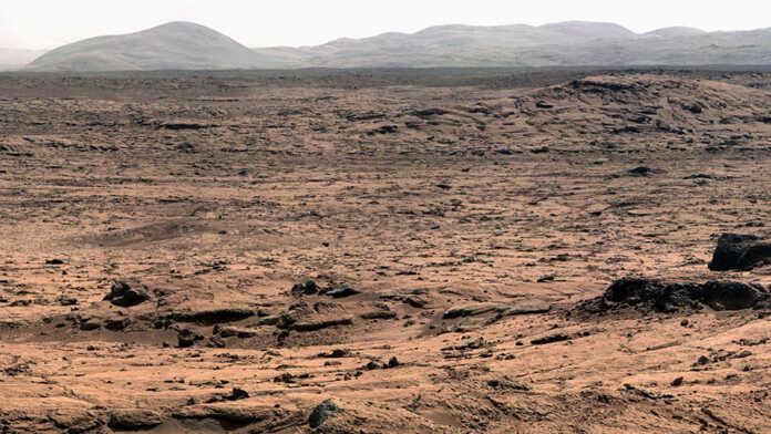 NASA kosmik agentligi Marsda Perseverance rover tomonidan olingan birinchi 360 daraja panoramali tasvirni taqdim etdi (video)