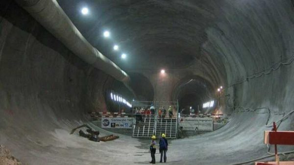 Dunyodagi yeng uzun tunnel…
