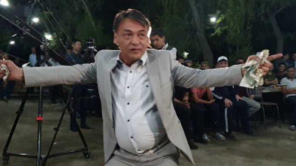 Qiziqchi G'ayrat Ahmedov Orol dengizini to'ldirish yo'lini topibdi (+video)