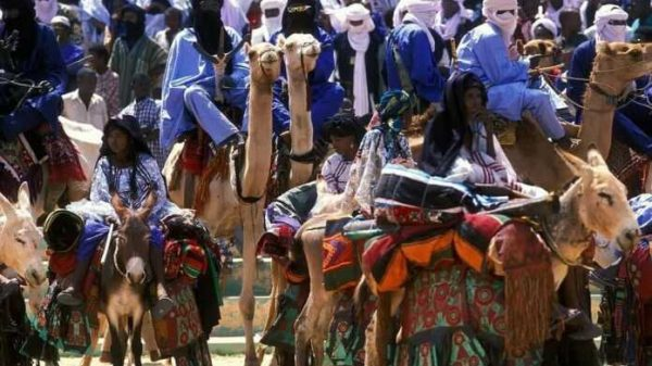 Tuareglar — hamma odati islom an'analariga teskari bo'lgan islomiy qabila
