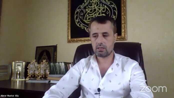 Abror Muxtor Aliy internetda tarqalgan videosi uchun ayollardan uzr so'rab chiqdi (video)