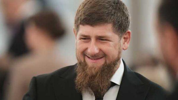 Ramzan Kadirov uni «Shayton» deb haqoratlagan kuzatuvchisining yozganini skrinshot qilib oldi
