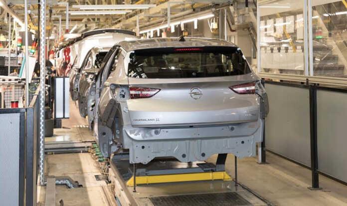 Opel zavodlaridan biri chiplar yetishmovchiligi tufayli faoliyatini 2022 yilgacha to'xtatadi